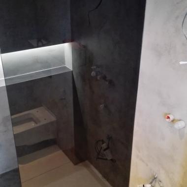 Grafitová sprchová zástěna